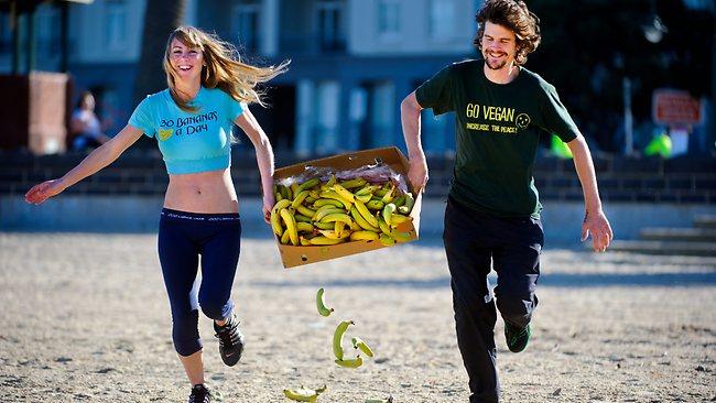 comer banana e malhar