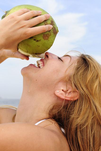 agua de coco e musculação