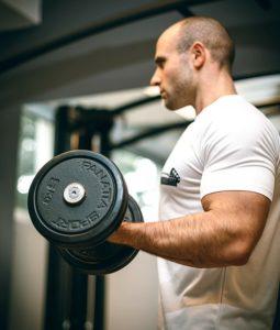 Erros no treino de bíceps