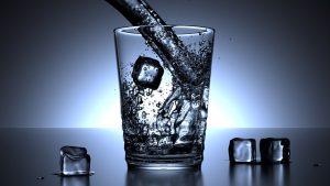 agua fria acelera metabolismo
